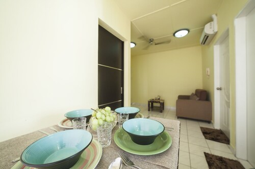 Summerbay Beach Resort Apartment, Papar
