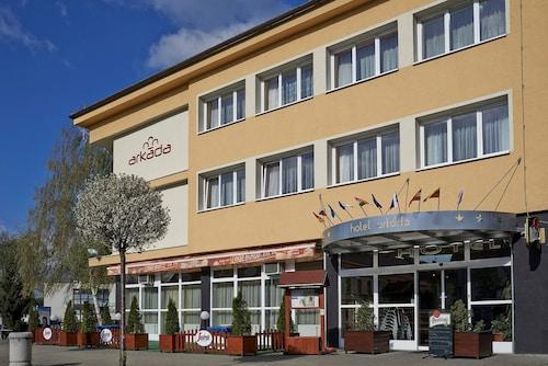 . Hotel Arkáda