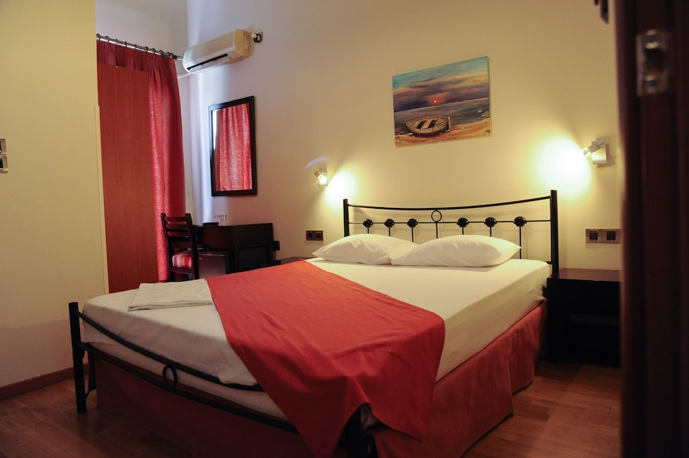https://i.travelapi.com/hotels/23000000/22330000/22327700/22327700/8915addd_z.jpg
