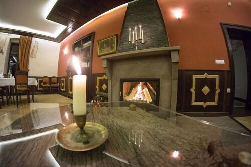 Castle Hotel Daniel, Bradut