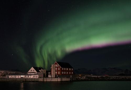 . Lofoten Arctic Henningsvær Hotel
