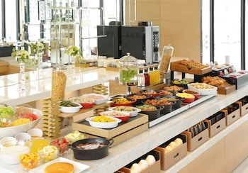 CANDEO HOTELS KOBE TORROAD Food and Drink