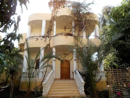 Villa on Luxor, Luxor