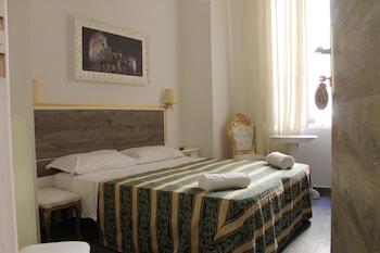 Basic Double or Twin Room, Mezzanine