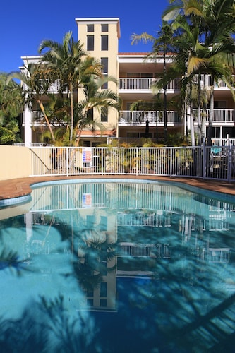 Koala Cove Holiday Apartments, Burleigh Heads