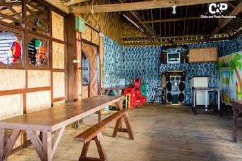 ROCK ISLAND RESORT Karaoke Room