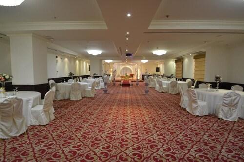 Grand East Hotel,