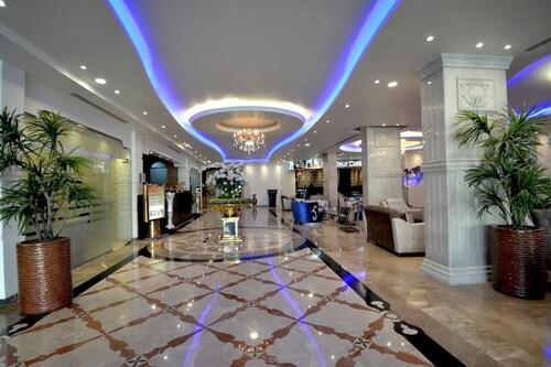 Grand East Hotel