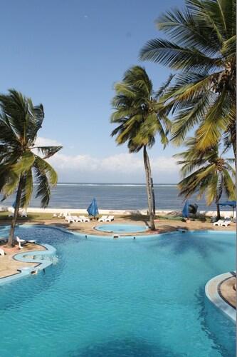 . Sun N Sand Beach Resort