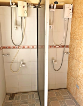 COOL MARTIN RESORT HOTEL Bathroom Shower