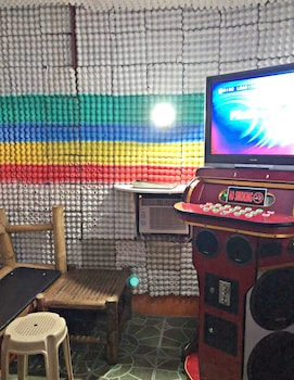 COOL MARTIN RESORT HOTEL Karaoke Room