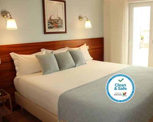 . Hotel Santiago