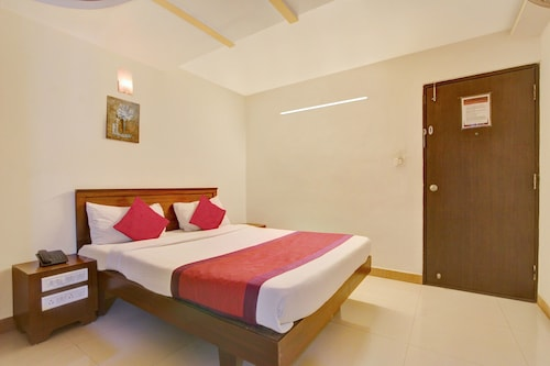 OYO 8002 Sri Sai Inn, Bangalore