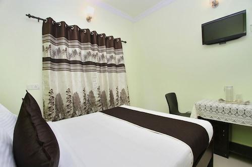 OYO 10232 Hotel Ashberry, Bangalore