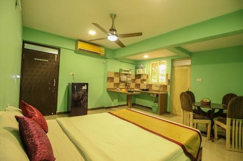 OYO 10087 Home Hill Top Studio Bambolim, North Goa