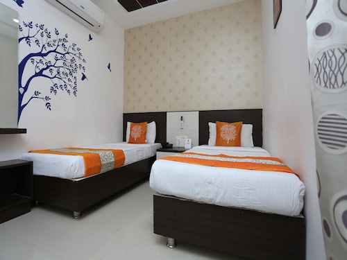 OYO 3586 SSR Luxury Rooms, Ranga Reddy