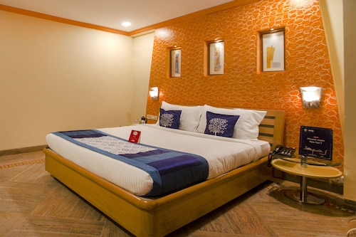 OYO 9303 Celebrity Skyhy Rooms, Hyderabad