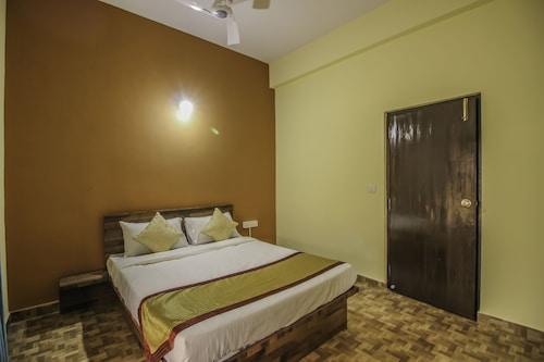 OYO 10402 Home 4BHK Chimbel, North Goa