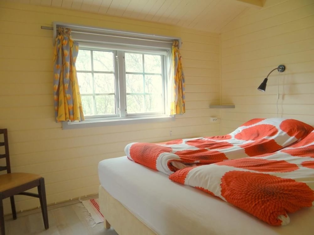 https://i.travelapi.com/hotels/23000000/22420000/22411900/22411881/a42cc1b8_z.jpg