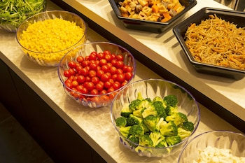 HOTEL KEIHAN KYOTO HACHIJOGUCHI Breakfast buffet
