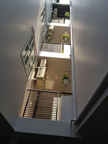 HT Apartment, Quận 3