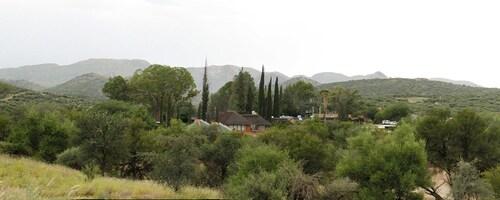 Vineyard Country, Windhoek East