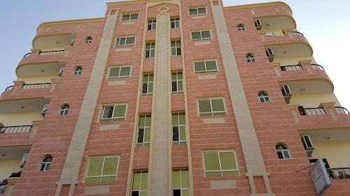 Golden Seasons Furnished Apartments 1, Salalah