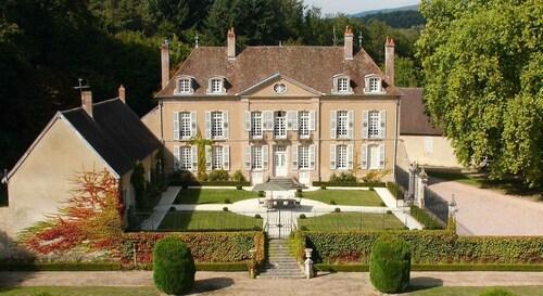 . Château de Villette