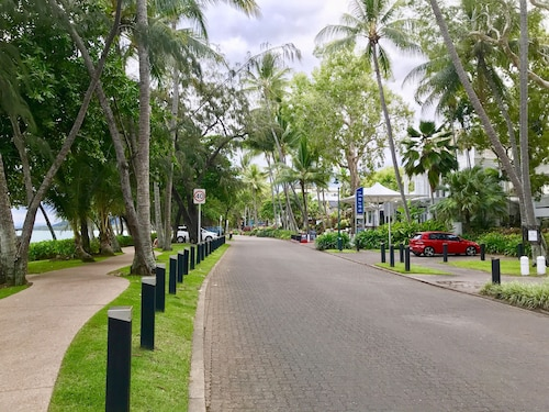 Serenity at the Beach, Cairns - Northern Suburbs