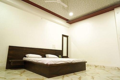 Hotel Nandini Resort, Bhilwara
