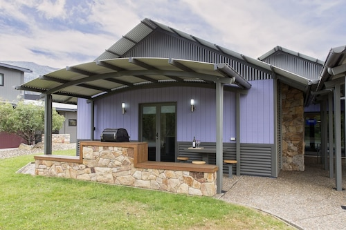 . Kickenback Studio - Contemporary accommodation in the heart of Crackenback