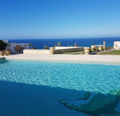 Villa With 5 Bedrooms in Bizerte, With Wonderful sea View, Private Poo, Bizerte Nord