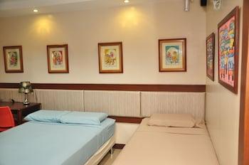 CASA VERDE HOTEL & EVENTS CENTER Room