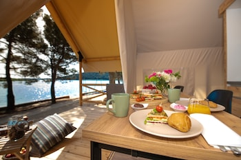 Hotel - Arena One 99 Glamping