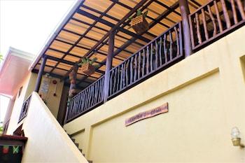 ZEN ROOMS CAPTAIN'S LODGE Property Entrance