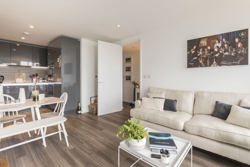 Trendy Home in Wandsworth, London