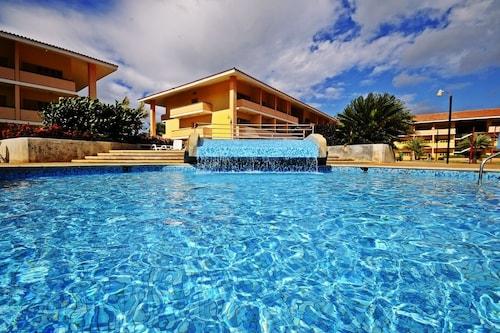 Dunes Hotel & Beach Resort, Gómez