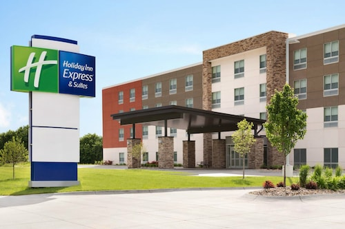 . Holiday Inn Express and Suites Nebraska City
