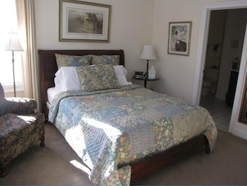 Standard Room, 1 Queen Bed (Traveler's Rest)