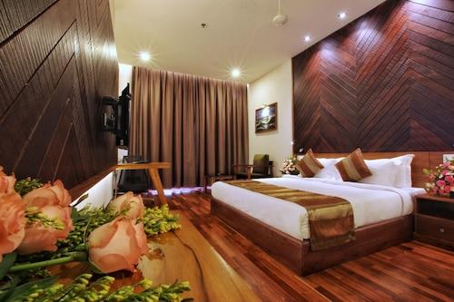 . Woodies Bleisure Hotel