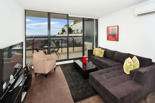 Location, Views and Style, Port Phillip - St Kilda
