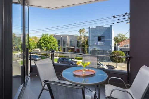 Caulfield North Executive, Glen Eira - Caulfield