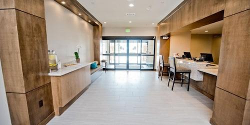 Staybridge Suites Houston East - Baytown, Harris