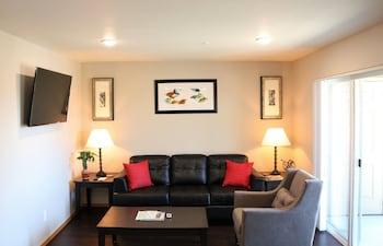 Autumn Leaf Furnished Apartments