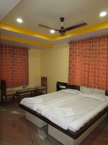 Meera Motels & Residency, South Goa