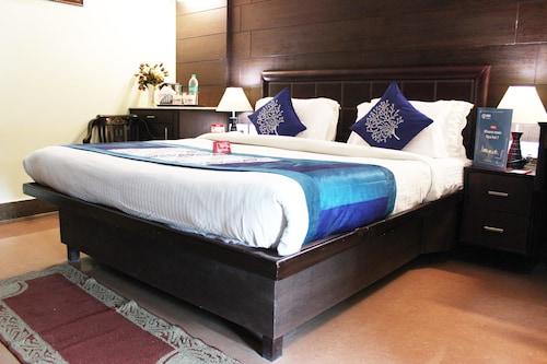 OYO 1835 Sun Hotel Agra, Agra