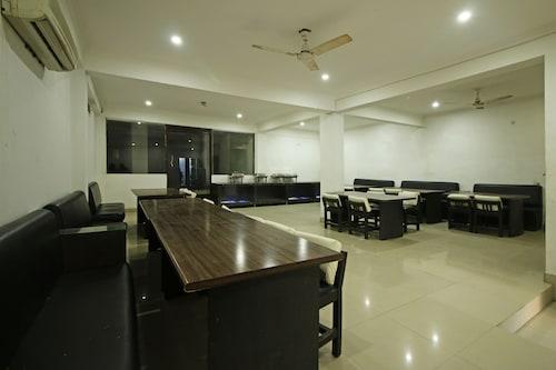 OYO 8095 ARB Suites, Agra