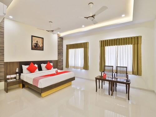 OYO 3783 Hotel Bhavani Palace, Gandhinagar