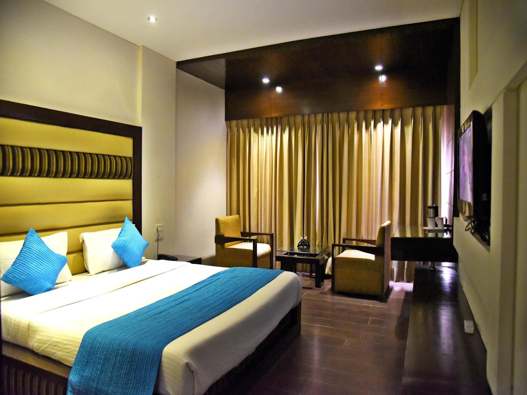 OYO 3537 Hotel Landmark, Chandigarh