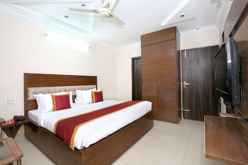 OYO 10386 Hotel Jimmy, Chandigarh